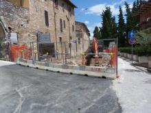 I lavori in via Roma a Spello